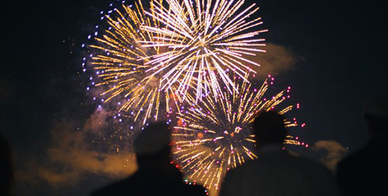 Fireworks-Cruise-Two-People-550x280-1